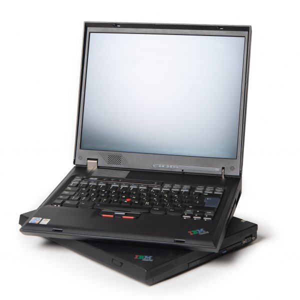 IBM-Thinkpad-laptop-2000-01-Retrocomputerverhuur