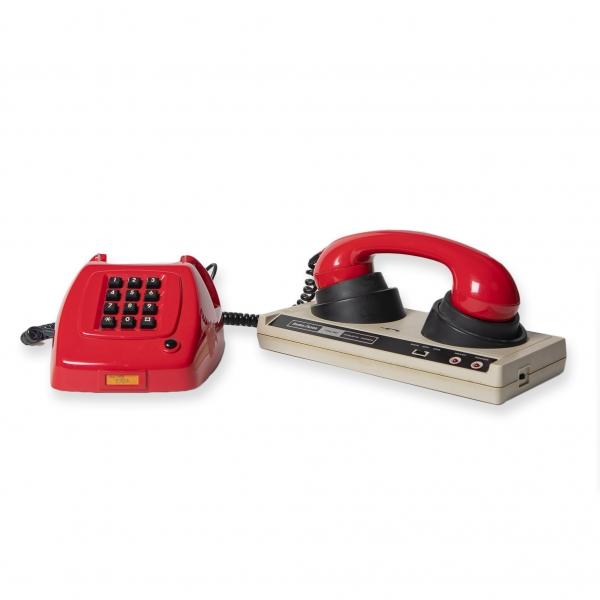 rode-telefoon-modem-accessoires-Retrocomputerverhuur